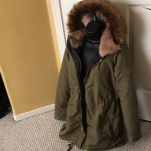 Jackets & Blazers - Army green parka jacket with the real fur hood